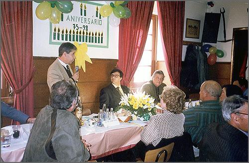 Aniversário da Casa em 1998 - o presidente da Assembleia, José Janela, usa da palavra