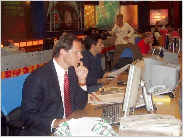José Rodrigues dos Santos na redacção da RTP