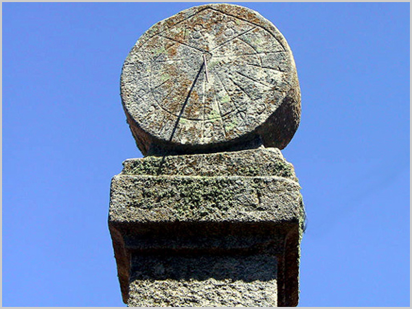 Relógio de Sol na Ruvina - capeiaarraiana.pt