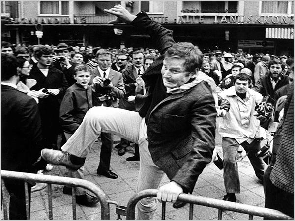 Daniel Cohn-Bendit foi um dos líderes da revolta dos estudantes em 1968