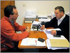 Sérgio Paulo Gomes (Rádio Caria) e o vereador António Robalo