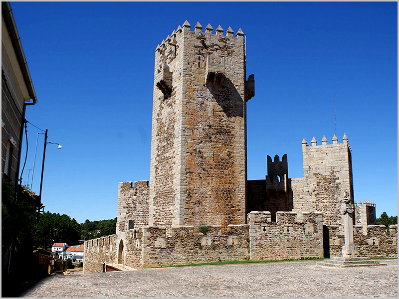 Castelo das Cinco Quinas no Subugal