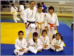 Os pequenos judocas raianos com Ana Hormigo (7.ª em Pequim e campeã nacional, -52kg, 2008)