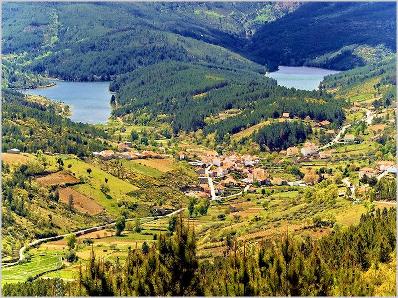Aldeia do Meimão em plena Serra da Malcata