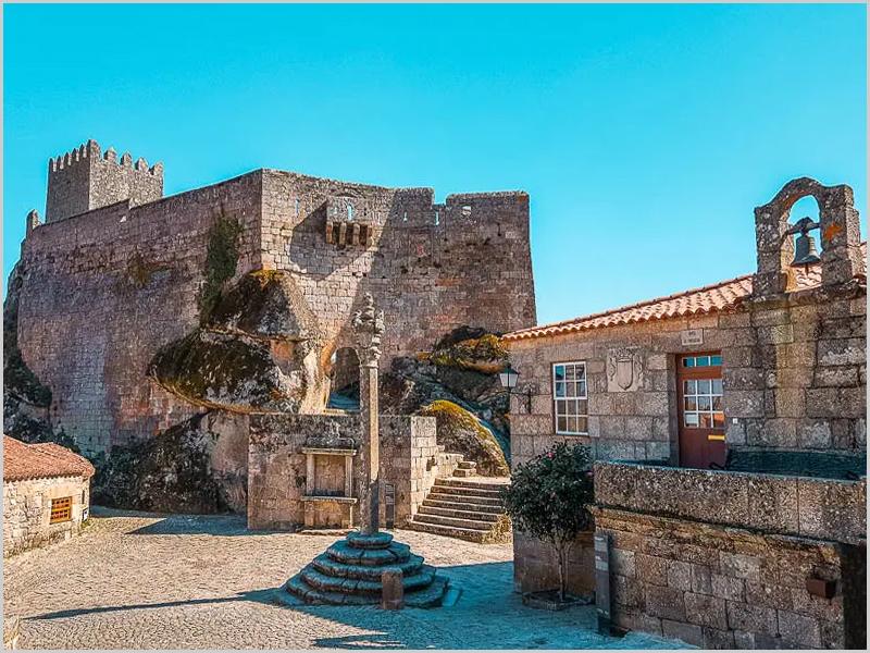 Aldeia Histórica de Sortelha - Castelo e casa da Câmara