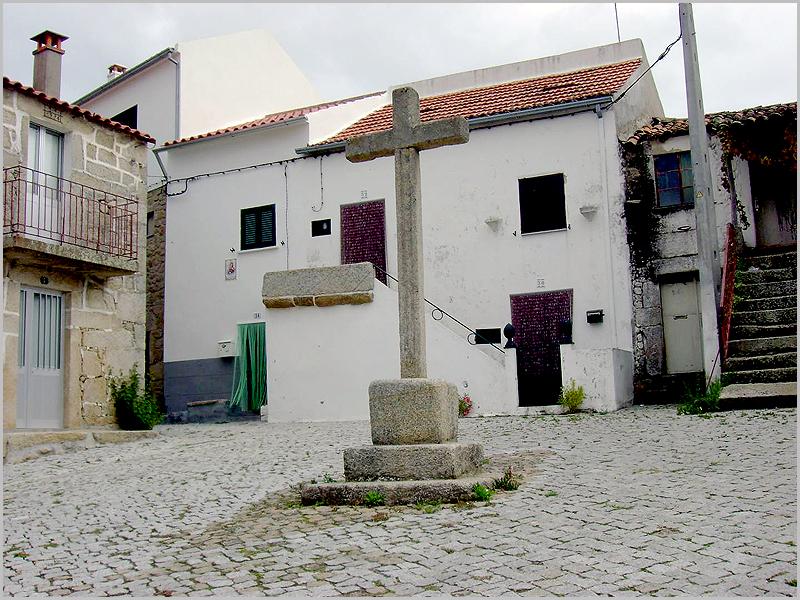 Cruz do Rebolho do Calvário em Aldeia do Bispo no concelho de Penamacor