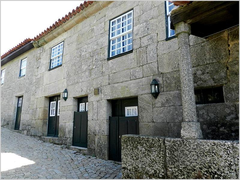 Casas do Campanário em Sortelha