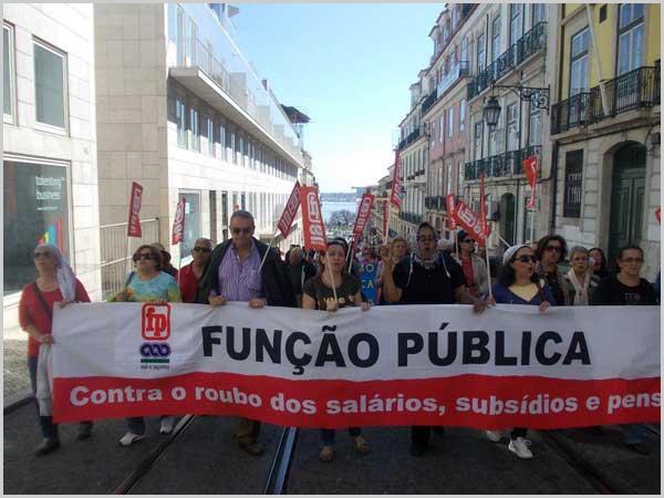 Manifestação durante a greve geral da função pública - capeiaarraiana.pt