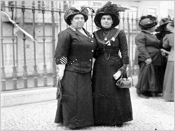 Ana de Castro Osório e Carolina Beatriz Ângelo