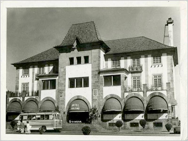 Postal antigo do Hotel Turismo da Guarda - capeiaarraiana.pt