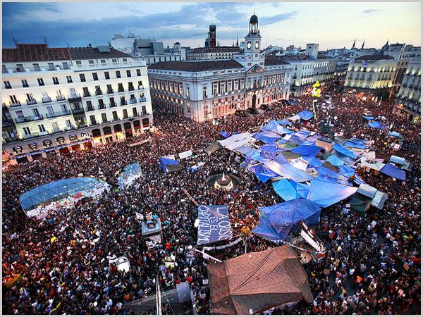 Manifestação na Puerta de Sol em Madrid