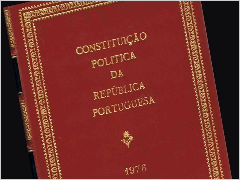 Constituição da República Portuguesa - capeiaarraiana.pt