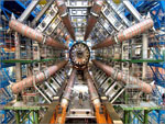 Aspecto do interior do gigantesco acelerador de partículas do CERN situado num túnel circular com 27 kms de comprimento