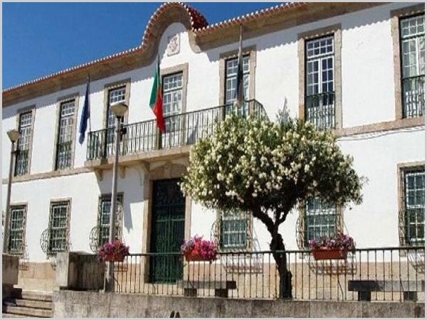 Câmara Municipal de Penamacor - capeiaarraiana.pt