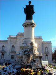 Estátua de Sousa Martins, no Campo dos Mártires da Pátria, em Lisboa
