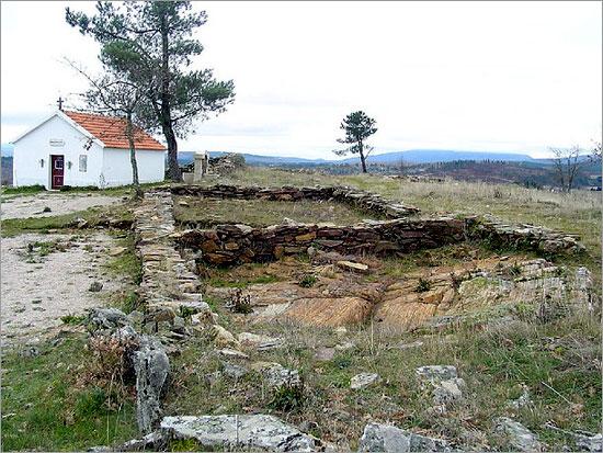 Ruínas do Castro de Sabugal Velho - Aldeia Velha - Capeia Arraiana