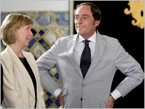 Maria Luís Albuquerque e Paulo Portas