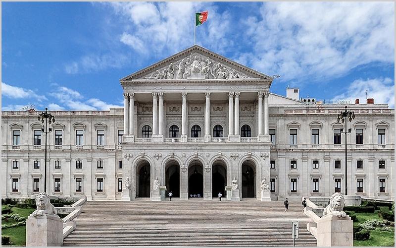 Assembleia da República - capeiaarraiana.pt