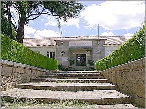 Biblioteca Municipal no Colégio Dr. Diamantino - Sabugal - Capeia Arraiana