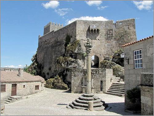 Castelo e Pelourinho de Sortelha - Capeia Arraiana