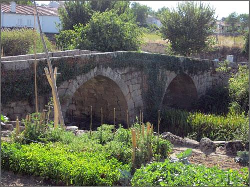 Ponte sobre o rio Cesarão em Vular Maior
