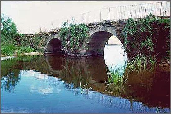 A ponte antiga de Aldeia da Ponte