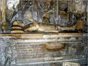 Túmulo do rei D. Afonso Henriques, na Igreja de Santa Cruz de Coimbra - Capeia Arraiana