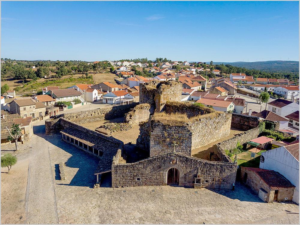 Castelo de Alfaiates no concelho do Sabugal - capeiaarraiana.pt
