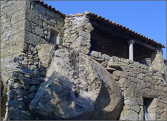 Casa antiga de Vila do Touro
