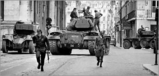 Revolução do 25 de Abril de 1974 - capeiaarraiana.pt