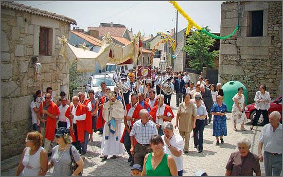 Festa em honra da Senhora do Rosário, na Bismula