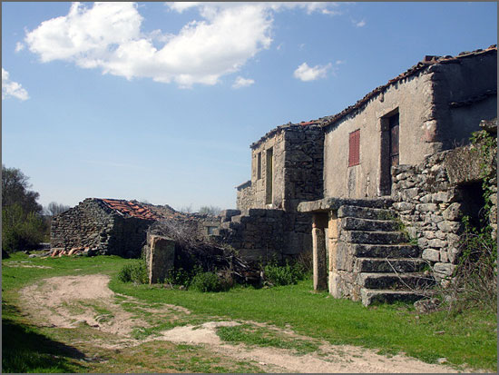Casas do Faleiro, hoje aldeia abandonada