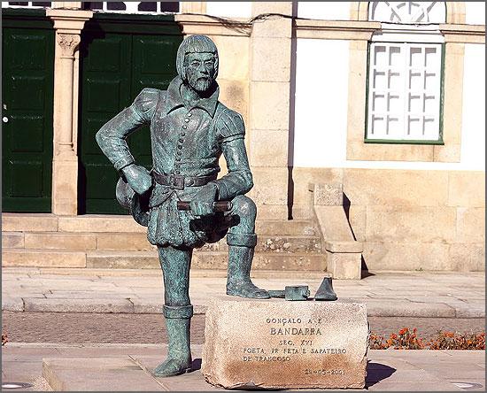 Estátua de Bandarra em Trancoso