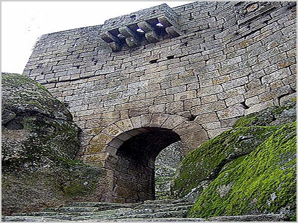 Muralha do castelo de Sortelha