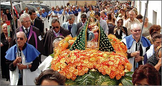Procissão em honra de Nossa Senhora da Nazaré