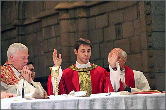 O novo pároco da Bismula - padre Daniel Cordeiro - no dia da sua ordenação na Sé da Guarda