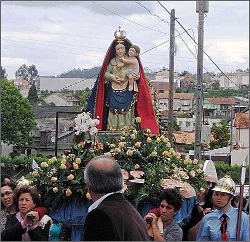 Procissão em Lordelo em honra da Nossa Senhora do Alívio