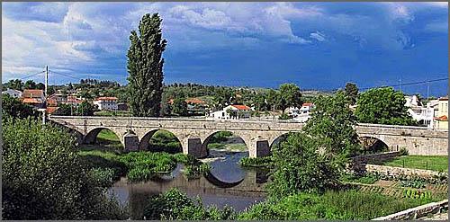 Ponte sobre o rio Noémi