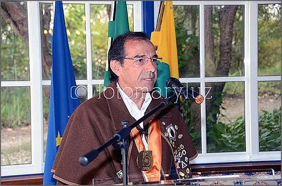 O Grão-Mestre Joaquim Leal fala na cerimónia do Capítulo em Alvaiázere