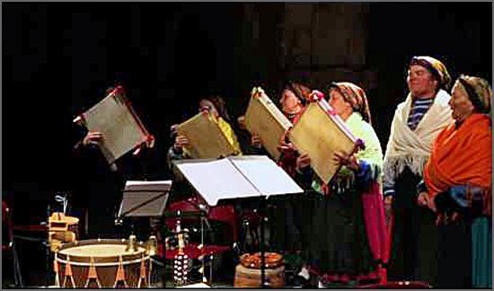 Adufeiras da Idanha interpretam músicas antigas