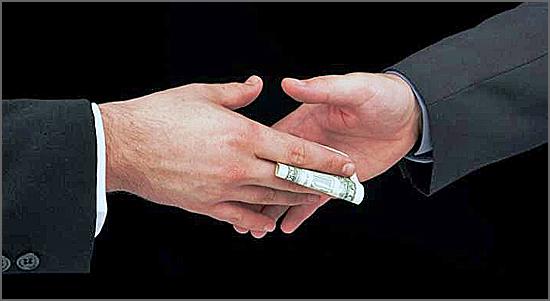 A corrupção é o resultado de um sistema que prioriza a acumulação privada de riqueza