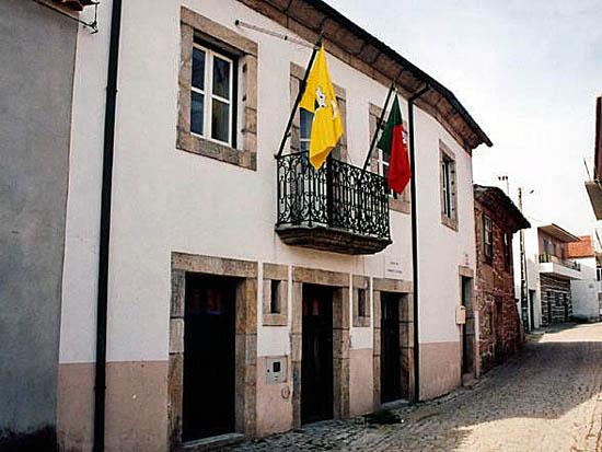 Junta de Freguesia do Casteleiro - o Poder Local ajuda na identidade concelhia