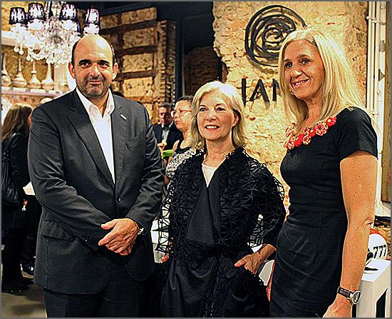 A estilista Isilda Pelicano (ao centro)