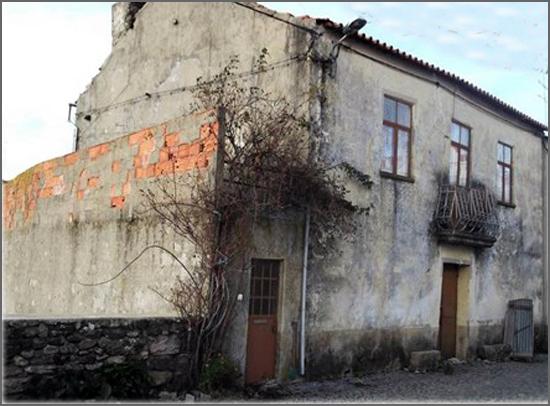 Uma casa com fantasmas vendia-se ao preço da uva mijona
