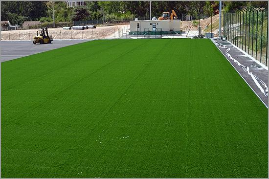 Adjudicação de relvados sintéticos para os campos de futebol do Sabugal e do Soito