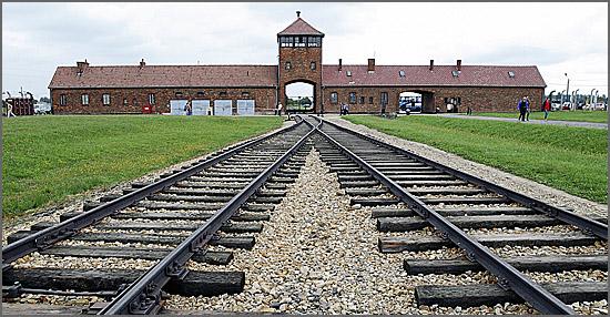 Auschwitz - o campo da morte foi libertado pelo Exército Vermelho há 70 anos