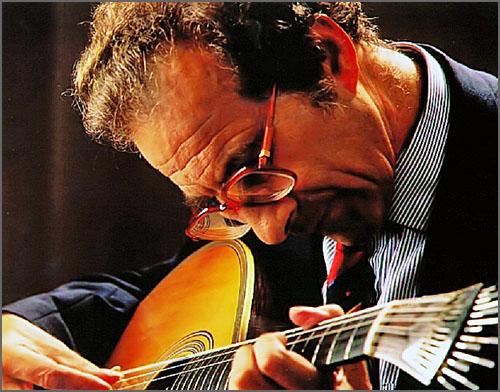 O guitarrista Carlos Paredes nasceu há 90 anos