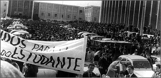 Há 53 anos, os estudantes decretaram o Luto Académico