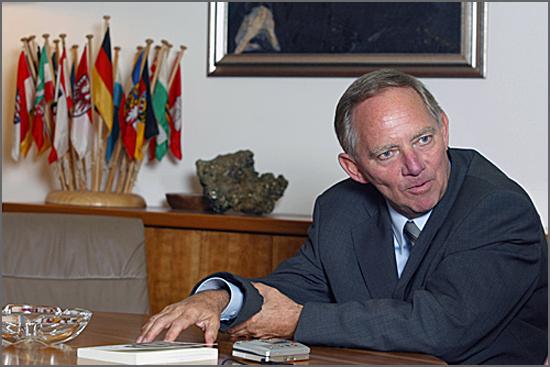 O Senhor Schäubler chamou irresponsáveis aos eleitos pelo povo grego irresponsáveis