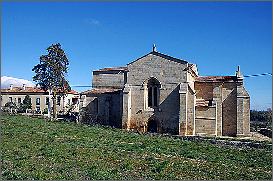 Há 642 anos foram renovados os privilégios do clero ribacudano (foto do convento de Santa Maria de Aguiar)